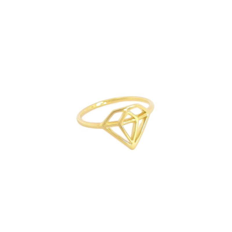 anillo con forma de diamante
