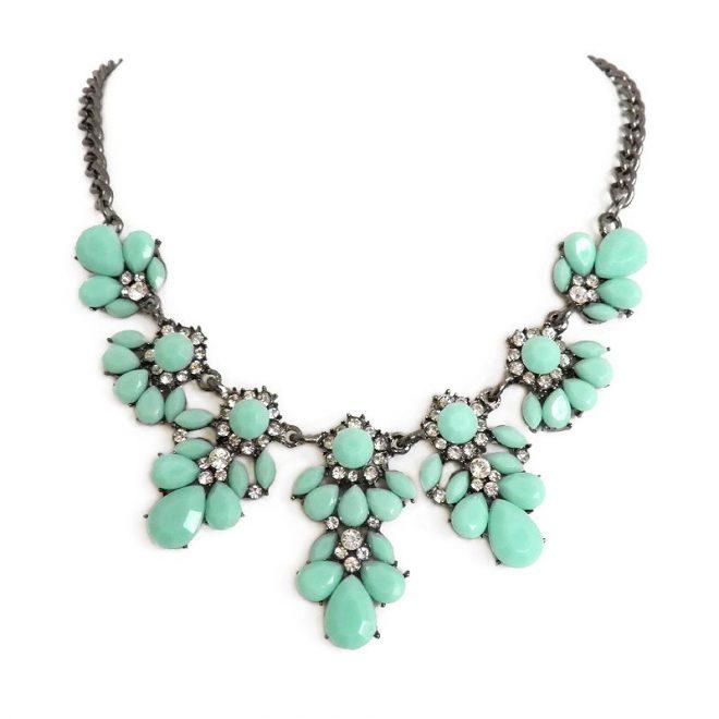 comprar online collar de piedras azul turquesa