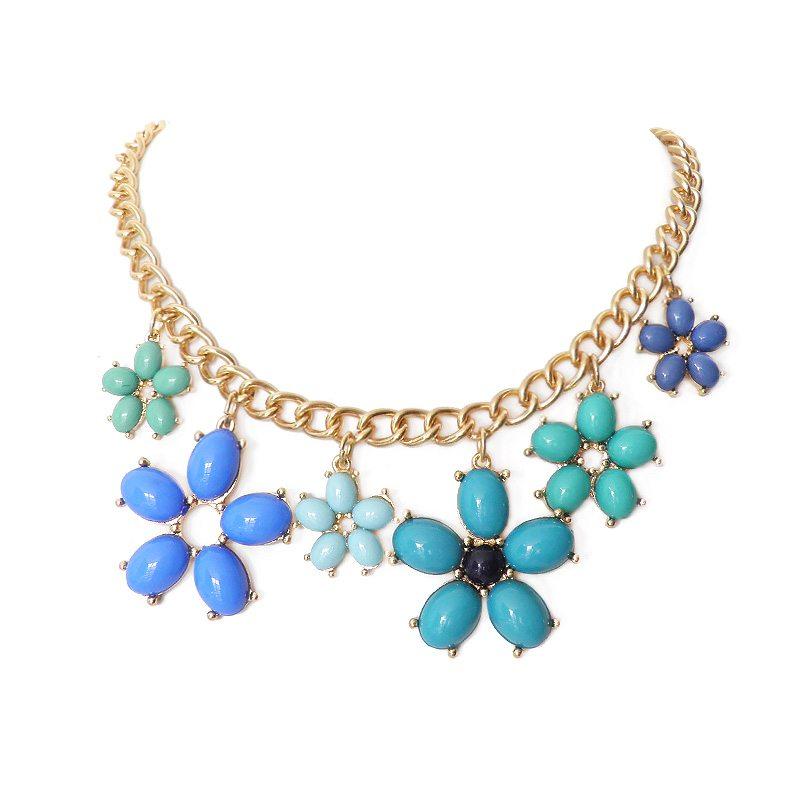 imagen de collar flores azules