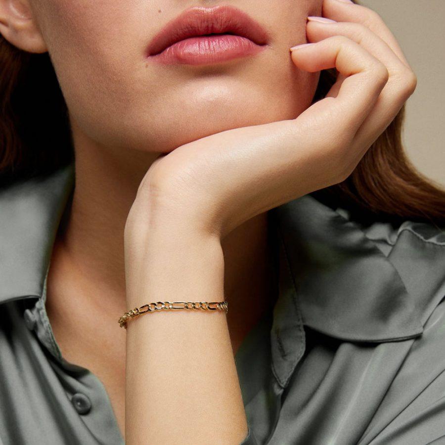 pulsera de eslabones programada bañada en oro
