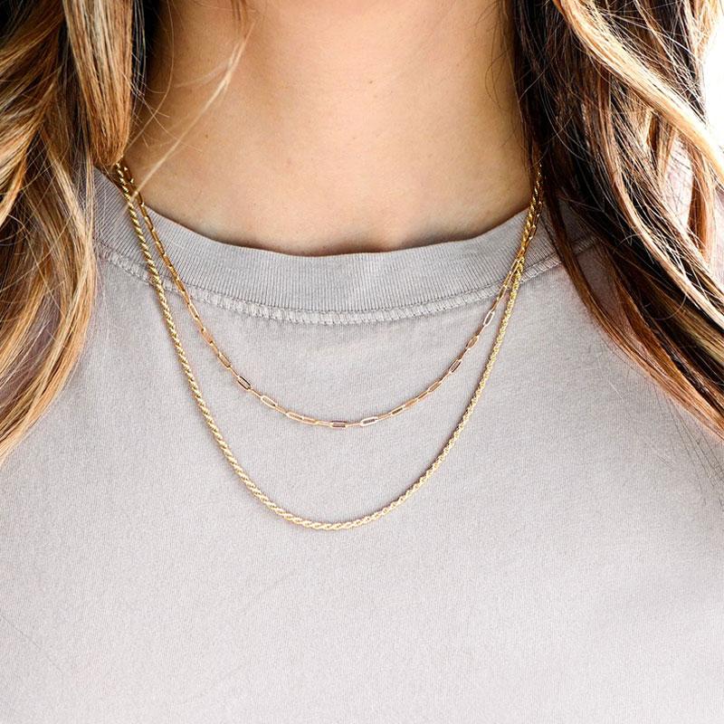 Combinación de collares estilo cadena y cordón