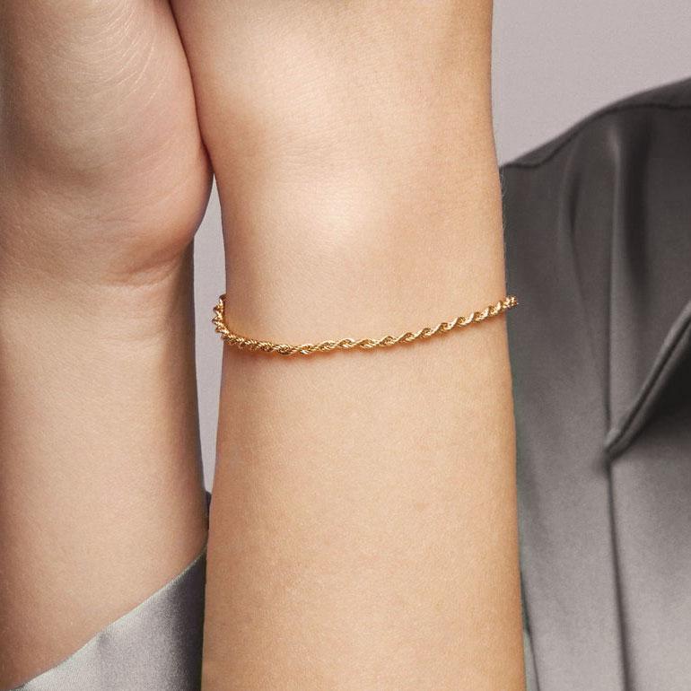 Pulsera de cordón bañada en oro