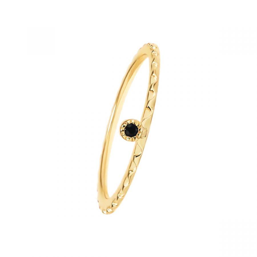 anillo estilo boho con piedra negra