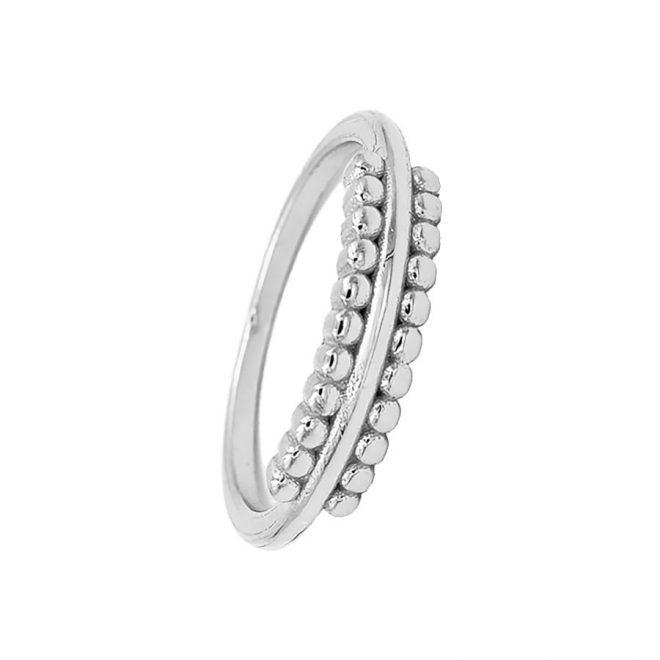 anillo con bandas de bolitas