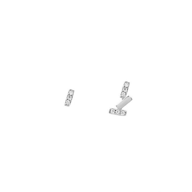 Pendientes mini con cristales con diseño de barritas