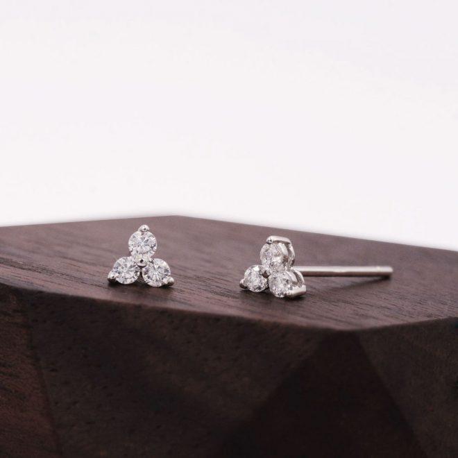 Pendientes pequeños de plata