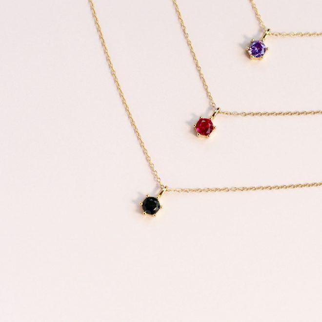 Set de colgantes de colores para mujer