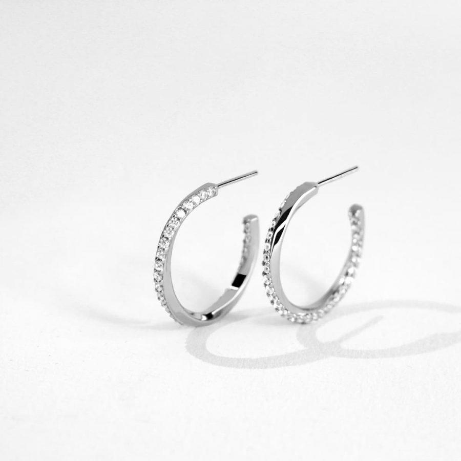 Aros de plata con circonitas de diseño actual