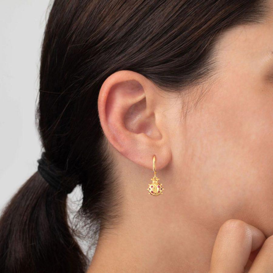 pendientes mariquita oro