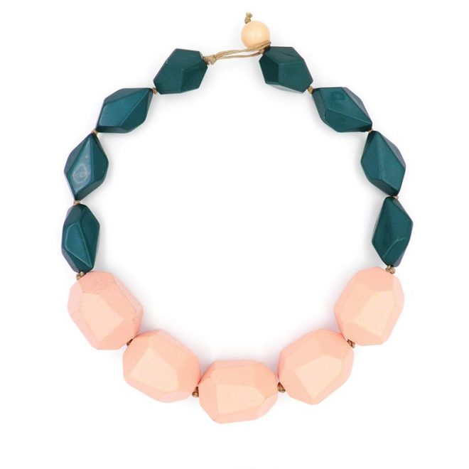 Collar geométrico rosa pastel