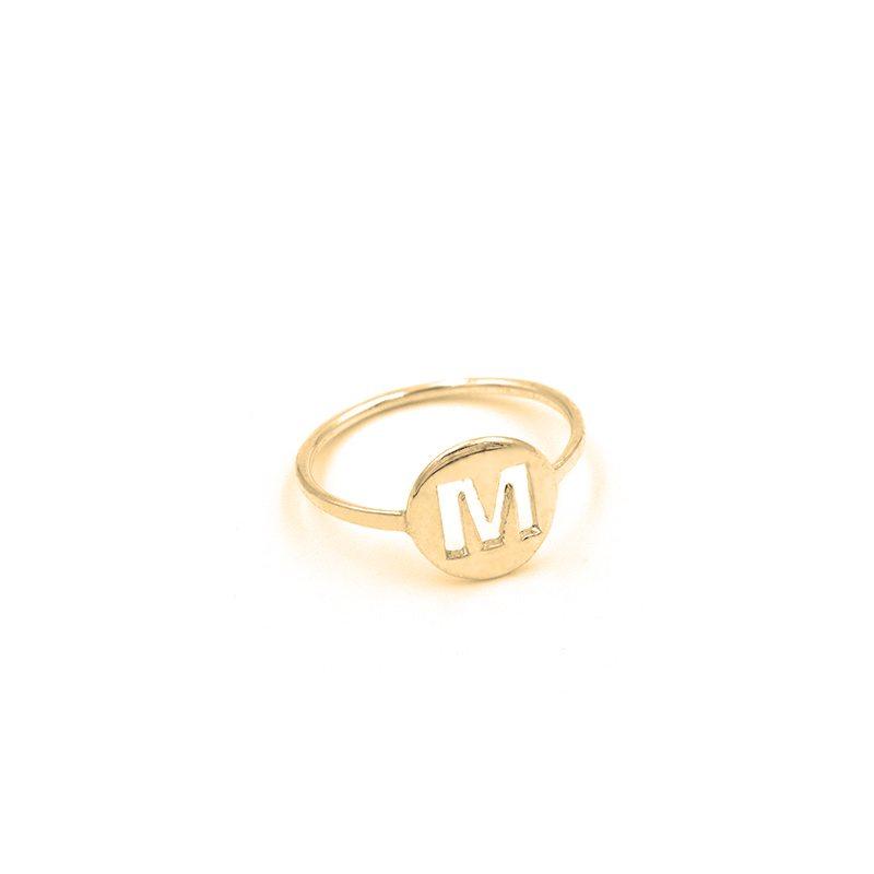 anillo letra oro