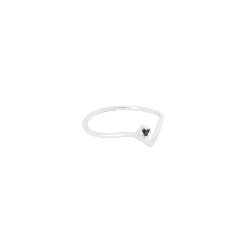 anillo v black plata