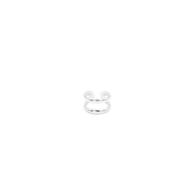 pendiente de plata para el cartílago con diseño de dos líneas