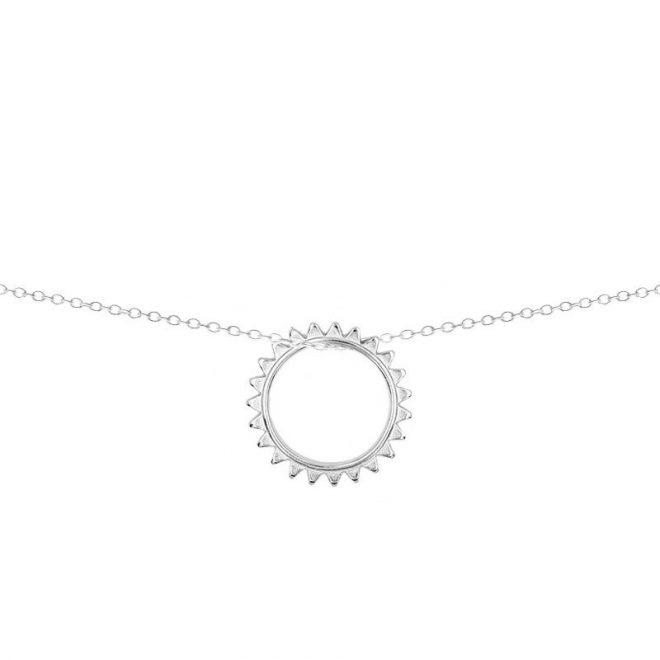 Collar con colgante en forma de sol en plata