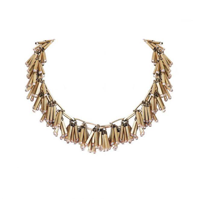 collar dorado flecos