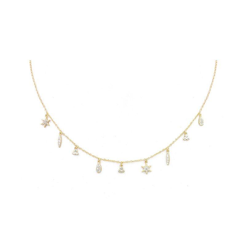 collar con nueve colgantes decorados con circonitas blancas